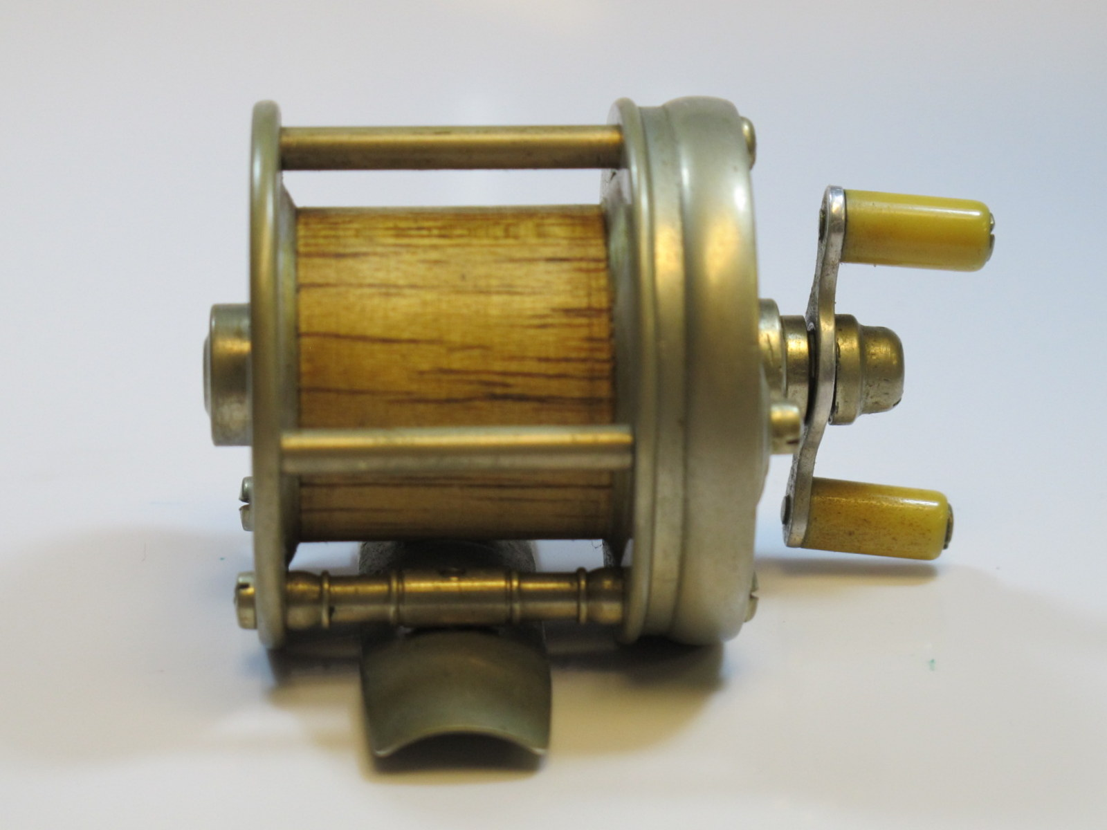 Vintage fishing reels for Vintage fishing reels